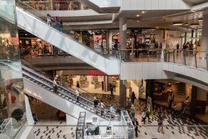 attacchi di panico al centro commerciale